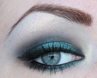 Matte-and-shimmer-combo-eyeshadow2
