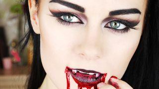 Vampire-makeup